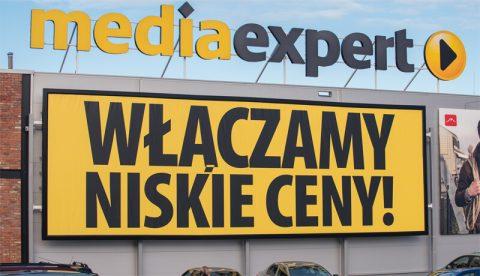rama banerowa wisząca na sklepie media expert w Białymstoku