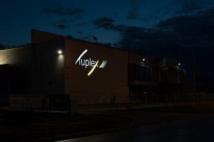 tuplex litery noc