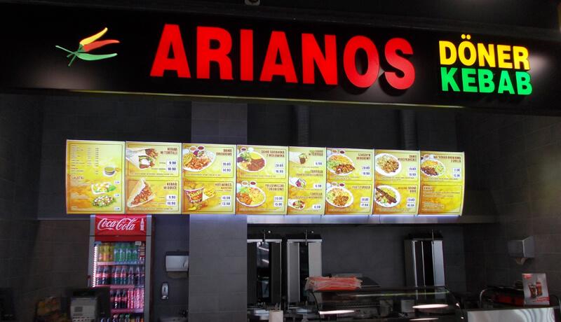 menuboard w lokalu gastronomicznym sprzedawającym fastfood