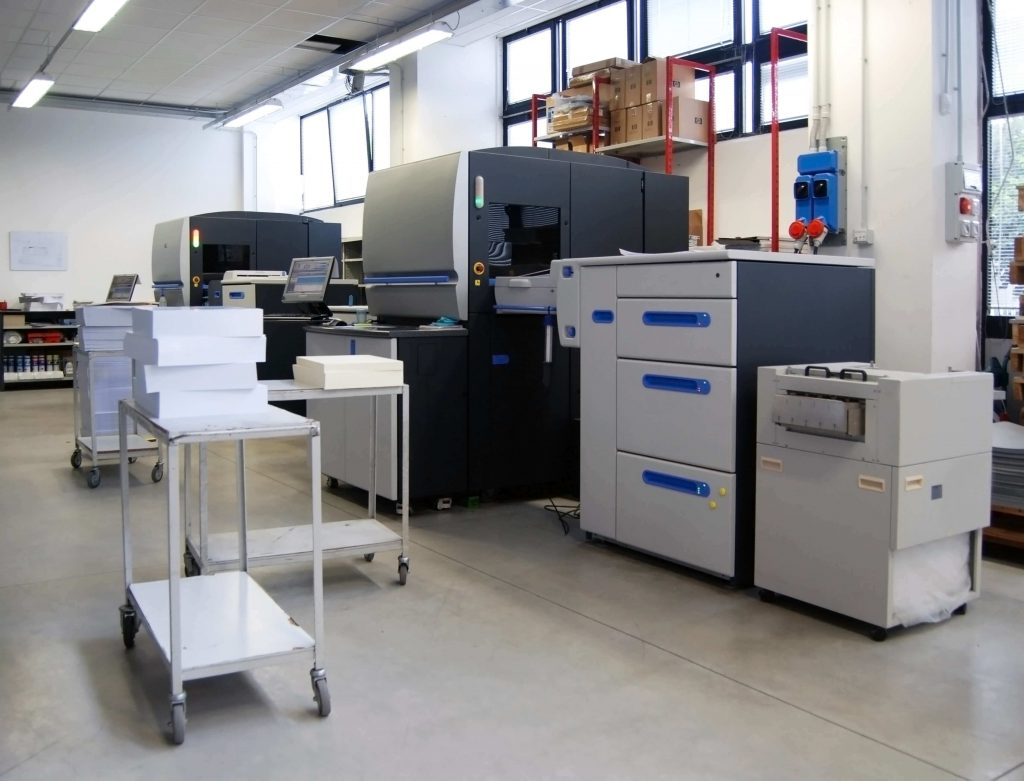 sprzęt drukarni wielkoformatowej